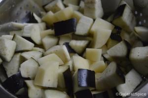 Chopped aubergine and potatoes