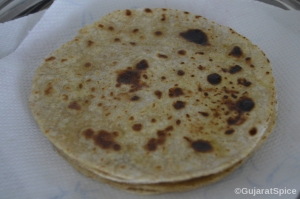Rotli with ghee spread on them