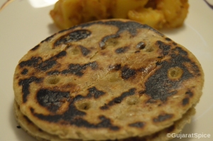 Bhakhri (Slow Baked Indian Flat bread)