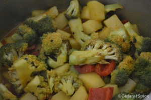 Mix vegetables well with the spices